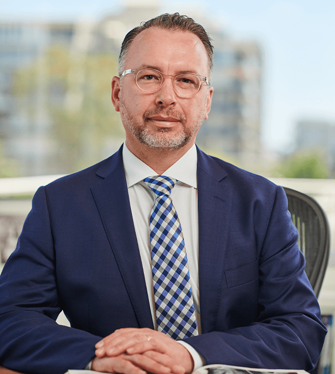 Dr Cameron Mackay profile 03, hand surgeon Brisbane